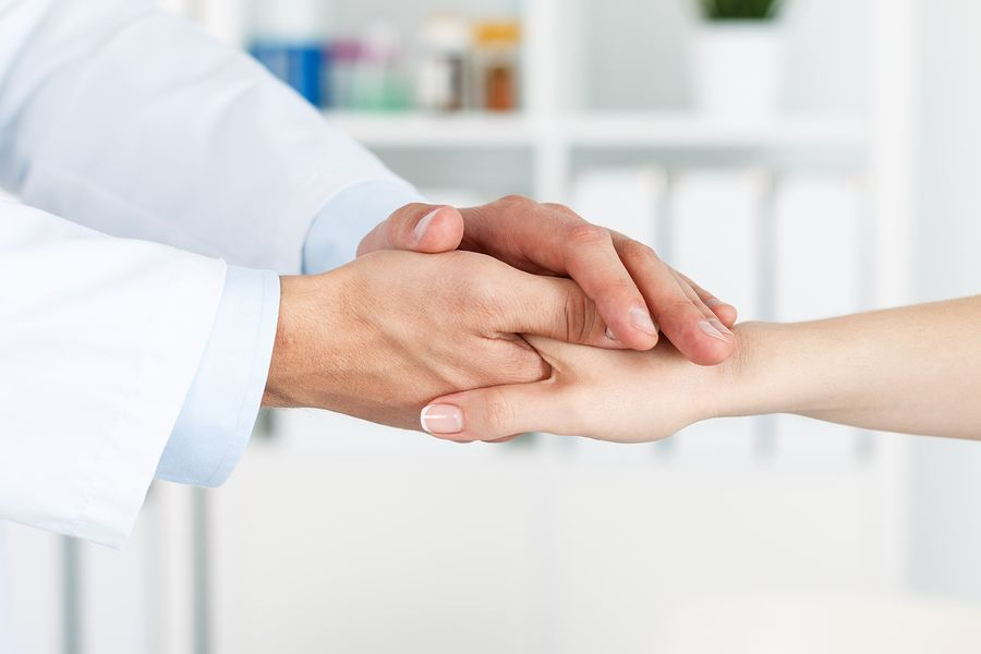 Dentist_Patient_Supportive_Hand